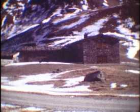 Refuge-porte de Plan du lac (Le)