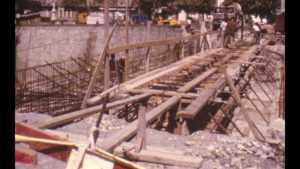 Construction d'un pont métallique